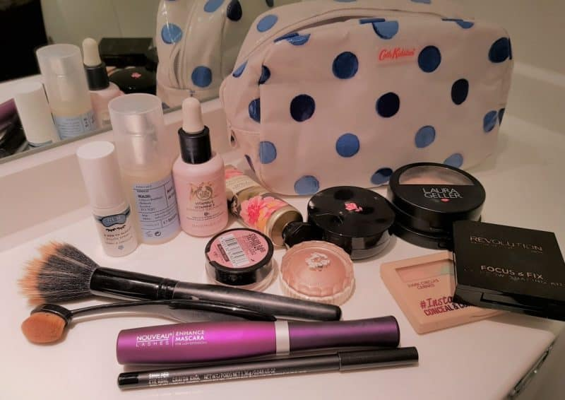 whats in my makeup bag?